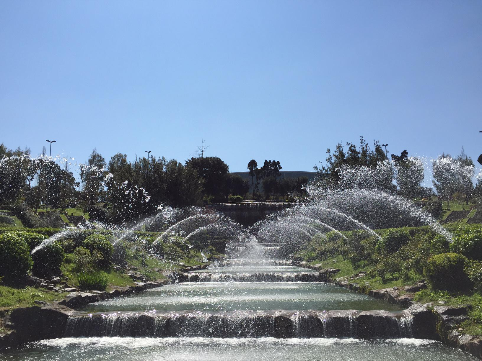Roma un tesoro di giochi d 39 acqua all 39 eur il giardino for Cascate in giardino