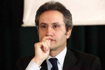 Regionali in Campania, meno Irap e un'opera pubblica in ogni Comune: le sfide di Caldoro