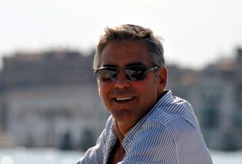 Stress da paparazzi, Clooney pronto a vendere la villa sul Lago di Como