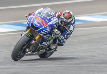 Dominio Yamaha nel Gp di Catalogna e Lorenzo trionfa davanti a Rossi