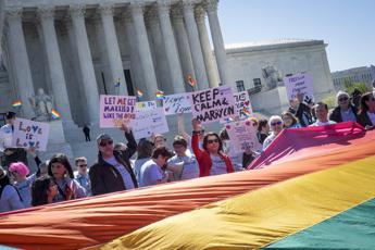 17 maggio 1990, 25 anni fa l'Oms cancellò l'omosessualità dalla lista delle malattie mentali