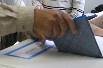 Andreatta (Pd) confermato sindaco Trento, a Bolzano si va al ballottaggio