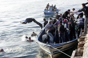 Immigrati, Roma Nord 'in rivolta' contro l'arrivo di cento profughi
