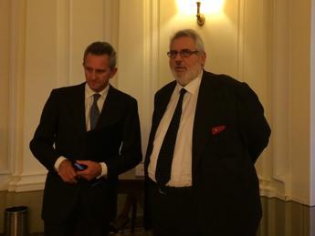 Trimestre record per Mediobanca: a sinistra, l'ad Alberto Nagel.