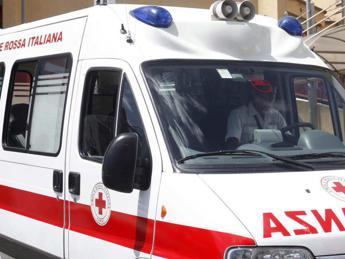 Messina, bimbo precipita dal balcone di casa: è gravissimo