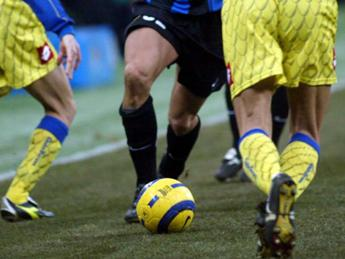 Cosce dei calciatori 'off limits' per le donne saudite, sfottò sul web