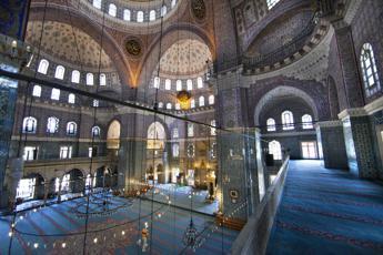 Educazione sessuale per gli imam in Turchia, solo così potranno informare