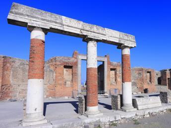 Pompei, Ciarambino (M5S): Condivido allarme albergatori, tpl nostra priorità