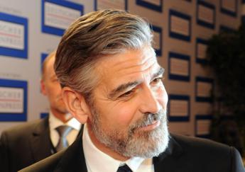 Clooney: Bombardati da brutte notizie, ma ogni voce conta per un mondo migliore