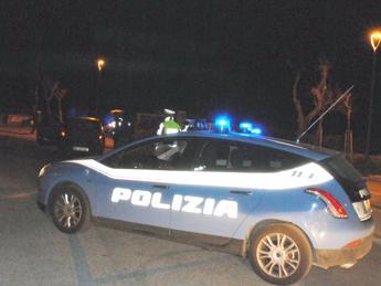 Roma, coltivava 10 piante di marijuana in serra: arrestato