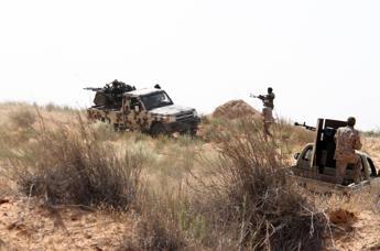 Consigliere libico alla Bbc: Jihadisti Isis entrano in Europa sui barconi dei migranti