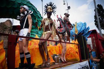 Carri, musica e colore: domani la festa dei 300.000 che unisce le differenze