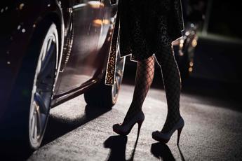Roma, prostituta picchiata per il posto sul marciapiede: 2 arresti