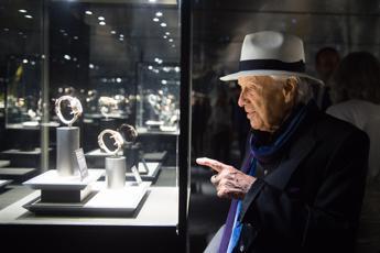 Jaeger-LeCoultre apre a Firenze con omaggio a Dante