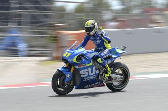 Gp Catalogna, Espargaro in pole in MotoGp e doppietta Suzuki
