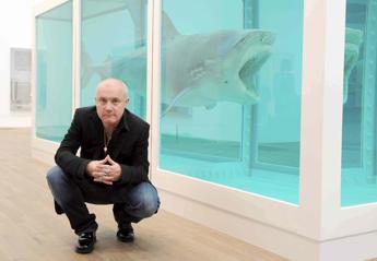 Damien Hirst, 50 anni tra animali in formaldeide e un teschio di diamanti