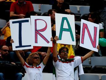 Iran, partita volley con gli Usa, donne restano di nuovo fuori dallo stadio