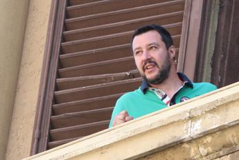 Migranti, Salvini: Umanità? Sì, anche verso gli italiani disoccupati