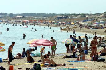 Boom di presenze sulle spiagge a ferragosto. Cna Balneari, +25% su 2014