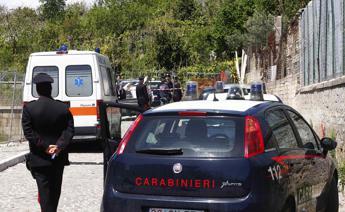 Bologna, bimba di 3 anni cade dal quarto piano: è grave