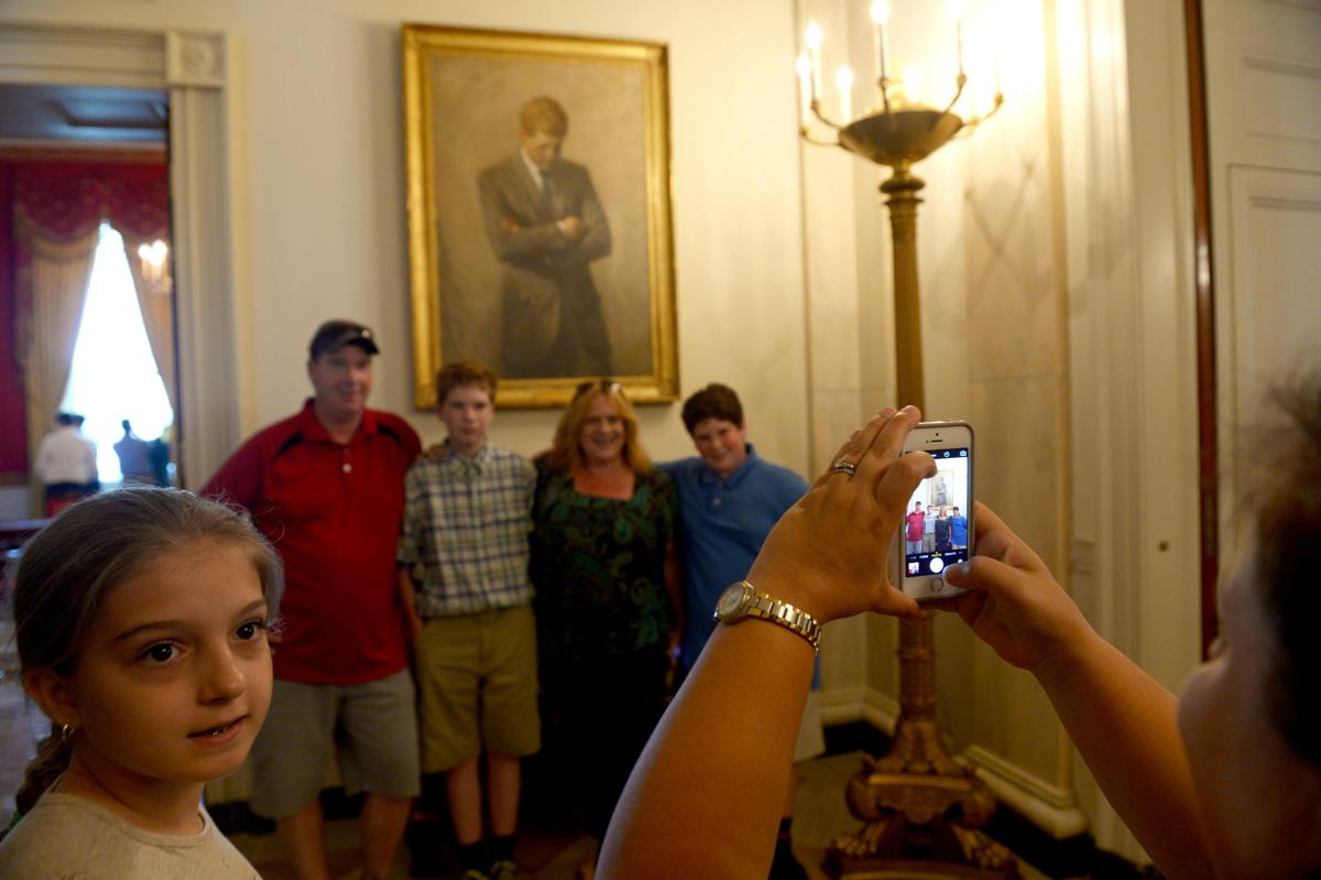 La first lady toglie il divieto di fare foto alla casa bianca ed subito selfie - Fare il cappotto interno alla casa ...