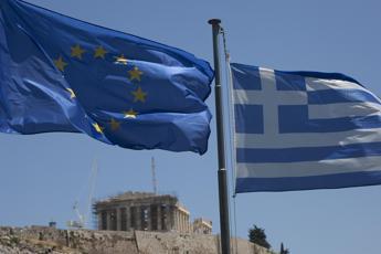 Fitoussi: Evitato naufragio Ue ma condizioni eccessive per la Grecia