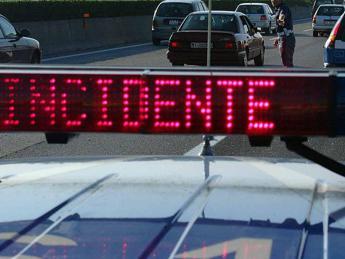 Schianto tra camion e moto: un morto a Gera Lario
