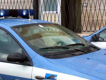 Roma, picchia e minaccia la ex: arrestato