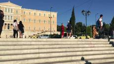 Piazza Syntagma a poche ore dal voto /Video AdnKronos