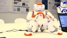 Il robot che aiuta i bambini a imparare a scrivere