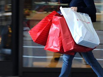 Per Confcommercio a dicembre acquisti aumentati
