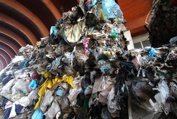 Crisi frena produzione rifiuti speciali, -2mln di tonnellate fra 2012-2013