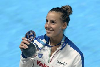 Tania Cagnotto a Ponte Milvio per dire 'stop' a meningite