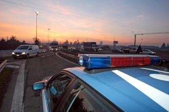 Giornata nera sulle autostrade: incidenti mortali su A1 e A14, km di code e malori
