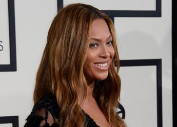 Beyonce e lo shopping prezioso, scarpe da 300.000 euro con diamanti