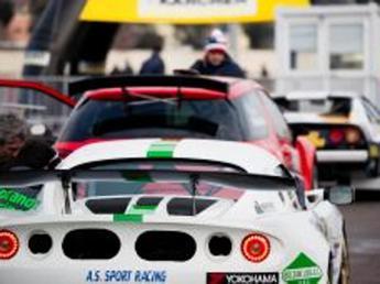 Schianto nel rally a Como, morti carbonizzati pilota e navigatore