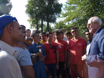 Prefetto Milano visita centro di accoglienza migranti a Bresso