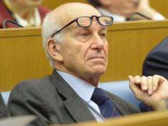 Bertinotti: La sinistra impari dal Papa. Politica miserabile