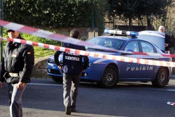 Ucciso a colpi d'arma da fuoco a Napoli, il corpo ritrovato in auto
