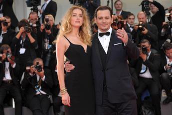 Trasporto illegale di cani: la moglie di Johnny Depp rischia 10 anni di carcere