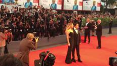 Il red carpet generoso di Johnny Depp/Video