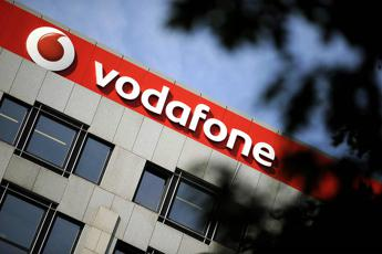 Vodafone, accordo con Netflix per promuovere l'internet tv in Italia