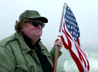Michael Moore torna al cinema, guarda il trailer di 'Where to Invade Next'