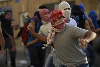 Cisgiordania: ucciso 13enne palestinese. Gerusalemme, altro attacco con coltello