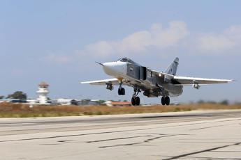 Caccia russo sfiora jet Usa