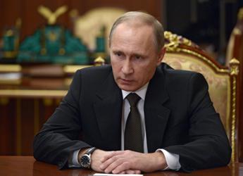 Putin schiera le navi russe con la Francia: Uniti come contro Hitler