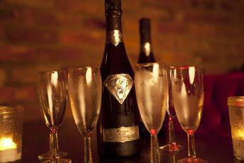 Champagne amico della memoria, 2 bicchieri a settimana 'arma' contro Alzheimer