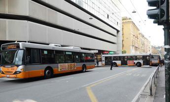 Trasporto pubblico locale, firmato dopo 7 anni il nuovo contratto: +100 euro