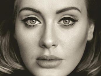 'Hello' di Adele schizza in vetta alla classifica dell'airplay
