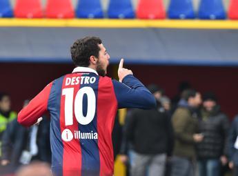 Super Destro fa volare il Bologna, Genoa ko